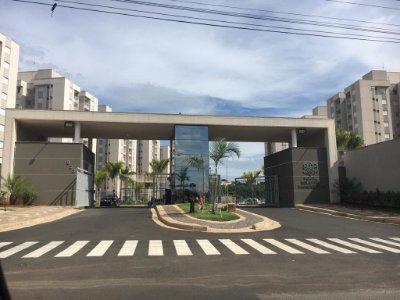 Apartamento próximo ao SUPERMERCADO TONIN