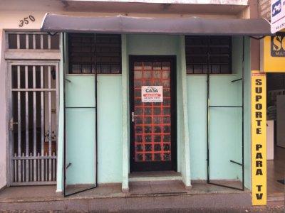Sala no Centro, em frente ao SAEMA